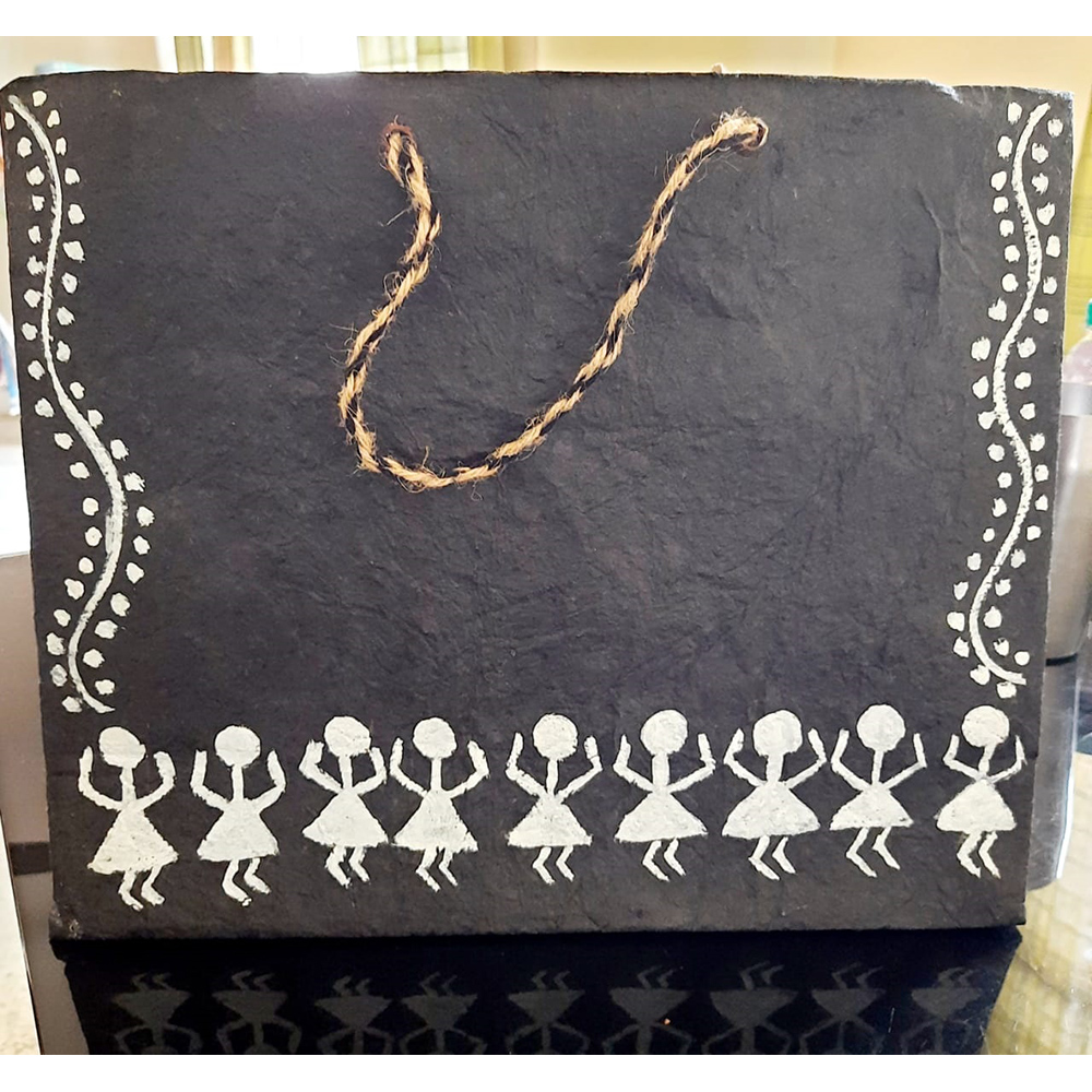 BLACK WORLI DRAWN PAPER BAG